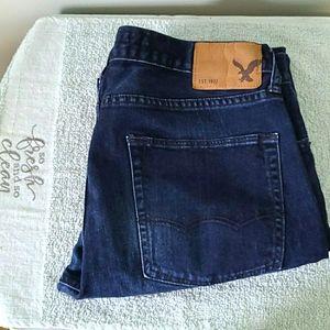 ❤American Eagle Slim & Straight Jeans 34